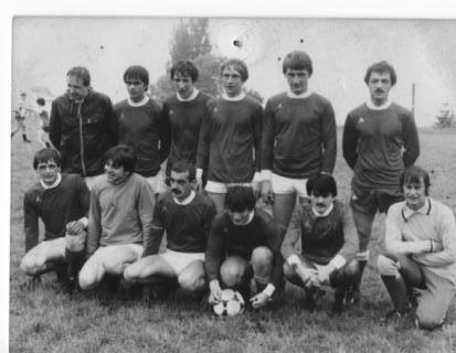 senior-1983-84.jpg